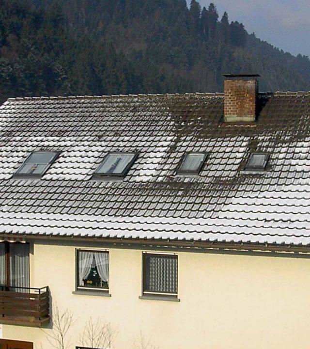 Dach mit unzureichender Dämmung